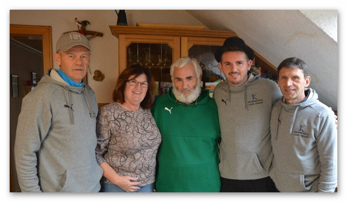 TuS-WE Trainer mit Familie Kraus